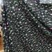 Вискоза принт — розочки на черном
